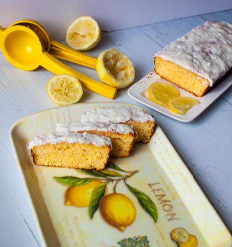 עוגת לימון בחושה ועסיסית ללא גלוטן