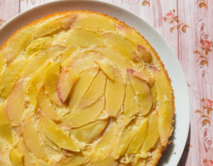 עוגת אפרסקים הפוכה ללא גלוטן